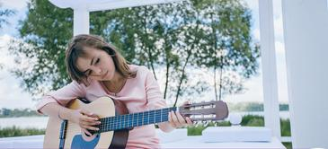 Curso de guitarra acústica básico